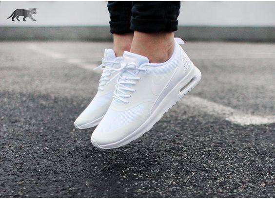 Nike Thea Blanche
