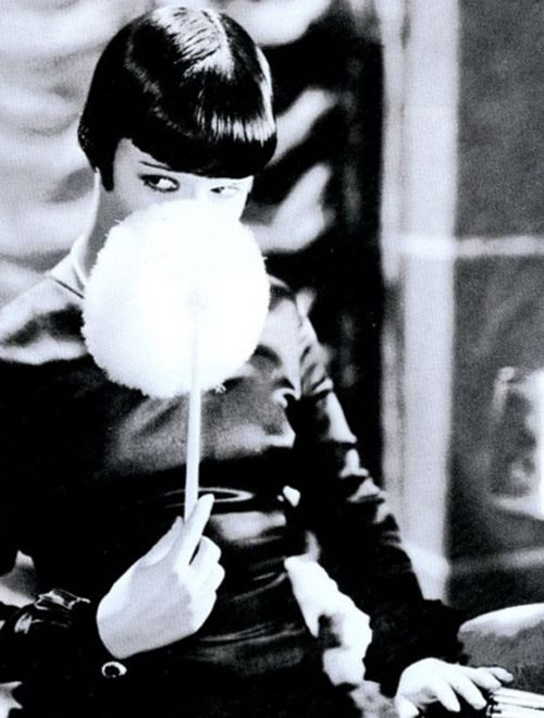 Louise Brooks in Love 'Em and Leave 'Em (1926)