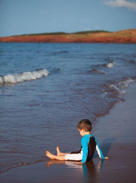 Head to the beach: how to experience Prince Edward Island like a true Islander via Canadian Traveller Magazine. Cavendish Beach.  #play #local #do #see #princeedwardisland #pei #explorepei #activities #swim #tour #travel #family #authentic #beach #recreation ©Tourism PEI / D. Brosha
