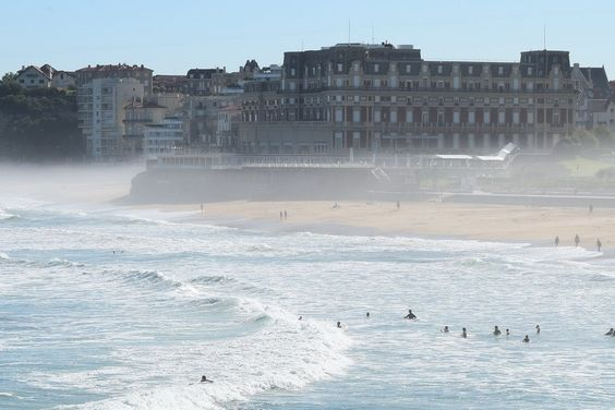 What to see and do in #Biarritz episode 1. The Grand Palais and the ocean of Grande Plage Biarritz