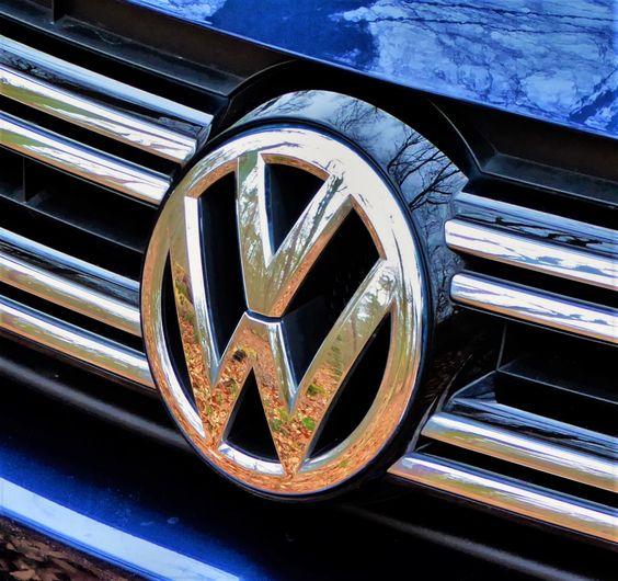 Unique Lahr u Die Dr Stoll u Sauer Rechtsanwaltsgesellschaft mbH erstreitet ein weiteres sensationelles Urteil f r einen gesch digten VW Tiguan Fahrer