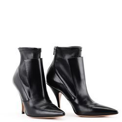 Givenchy Ankle Boots. DONNA