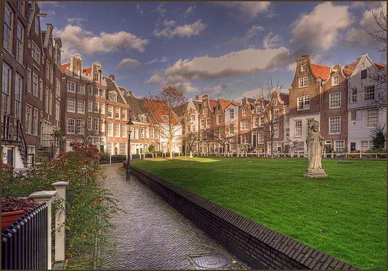 AMSTERDAM como un turista o como un local: http://guia.viajobien.com/vivir-amsterdam-como-un-turista-y-como-un-local/
