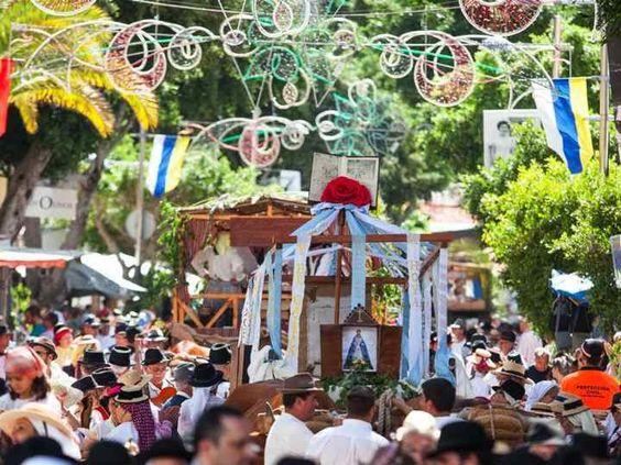 Fiestas Patronales Adeje 2016 - groot feest van 1 t/m 16 oktober. Met muziek, show, spektakel, dansfeesten, verkiezing Miss Sur en de laatste Romería van he