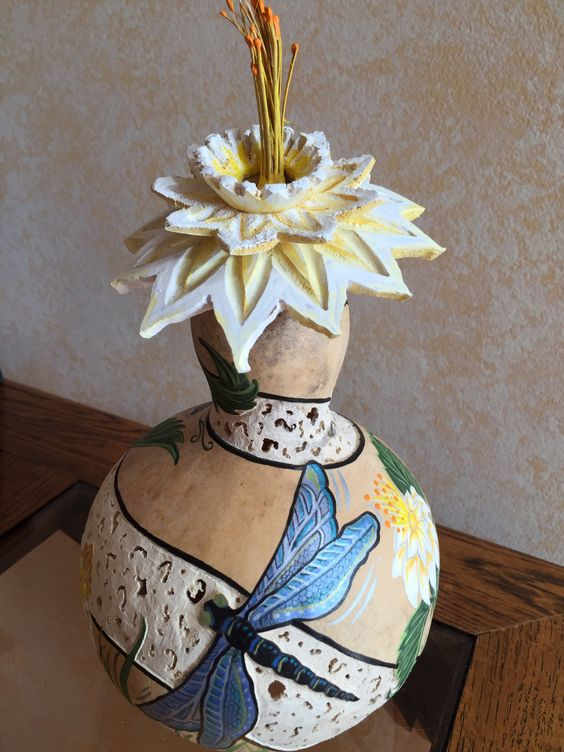 3D flower gourd with dragonflies