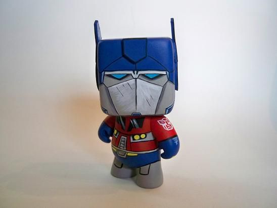optimus_prime_toy_by_todesigns-d3iigbq