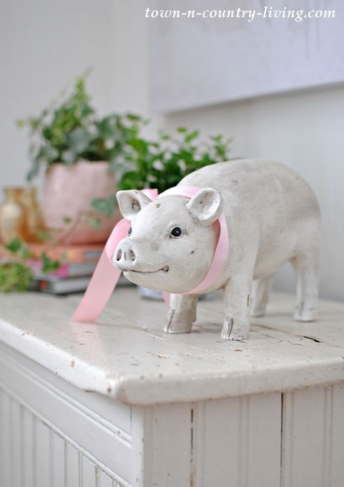 What S My Style Town Country Living Pig Decor Farm Animals Decor Pig Kitchen Decor