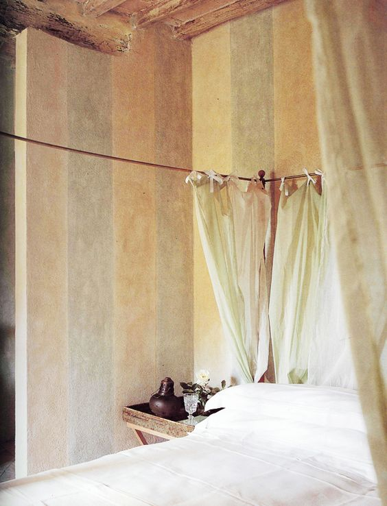✕ Soft Ambiances: Haute Design by Sarah Klassen—a beautiful bedroom in Tuscany, Italy / #bed #canopy