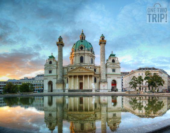 Mágica vista de la #Karlskirche en #Viena al #amanecer