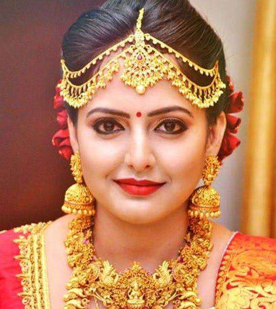 The Right Bridal Makeup To Suit Every Indian Bride Step By Step Bridal Makeup Tutorial South Indian Indian Bridal Makeup Bride Makeup Eyes Best Bridal Makeup