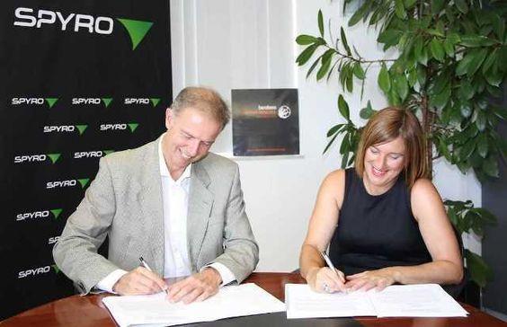Balonmano Bera Bera presenta a su nuevo patrocinador: SPYRO