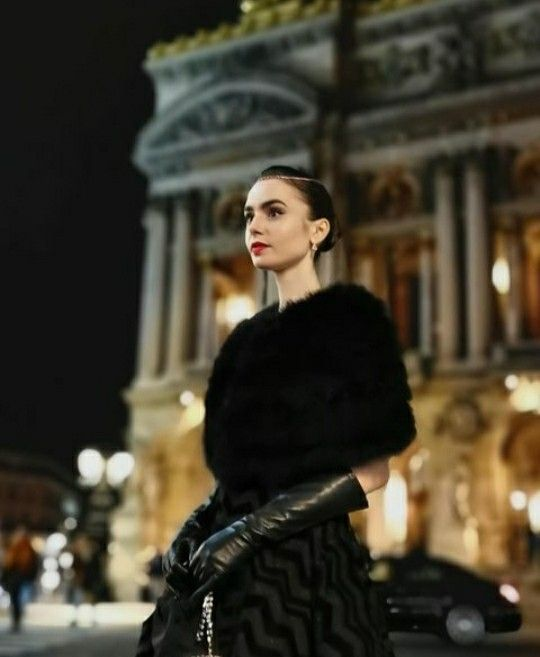 Pin By Talita On Lily Collins Lily Collins Stylish Gloves Elegant Gloves