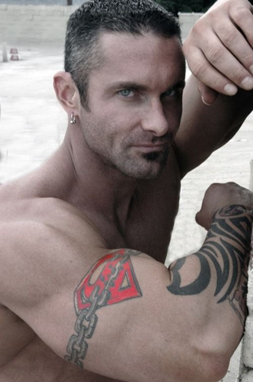 Arm superman tattoos for men instead of metal chains it for Chain tattoo on arm