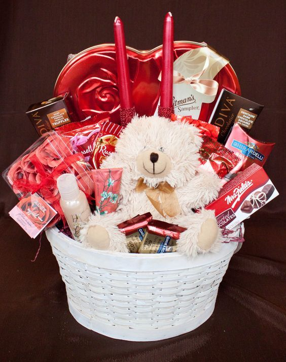 Amazing Diy Valentines Day Gift Baskets For Him Valentine Gift Baskets Valentine S Day Gift Baskets Diy Valentines Gifts