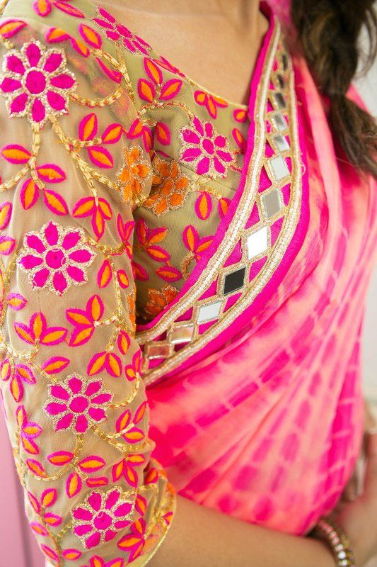 MAHI by designer Maahira @ https://www.sobayha.com/catalogue/mahi_344/ Pure Chiffon Pink Tie Dye #Saree completed with Mirror work border all around and vibrant floral motif threadwork blouse.