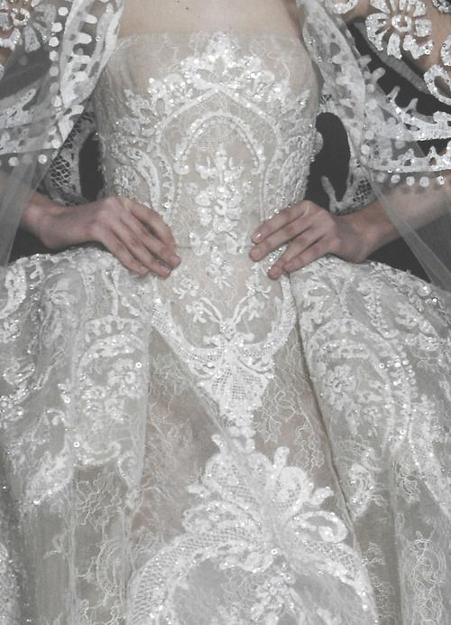 What a wonderful gown!