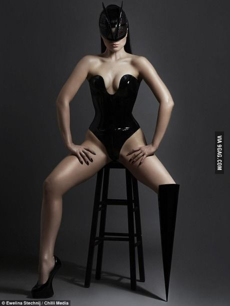 Viktoria Modesta. Leg amputee model and pop artist.