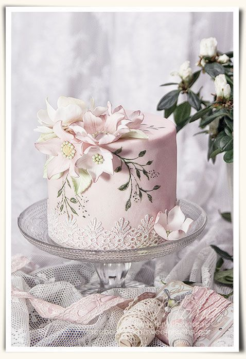 Tartas de cumpleaños - Birthday Cake - Light pink magnolia lace and hand painted cake  ~ all edible