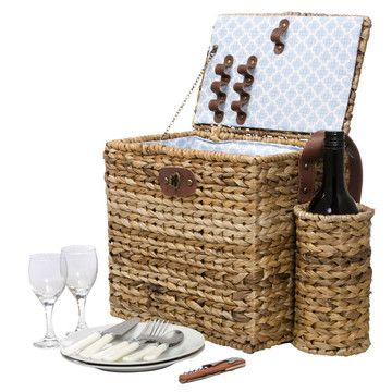 Wicker Picnic Basket w/ wine pocket