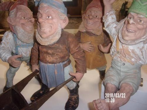 4 Stuck Gartenzwerge In Sachsen Oschatz Ebay Kleinanzeigen Gartenzwerg Gnome Zwerg