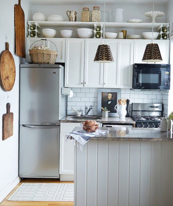 A cute and functional small kitchen