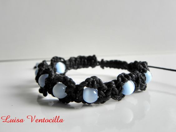 Armband Makramee Style mit Cat-eye Perlen von Luisa Ventocilla Shop auf DaWanda.com