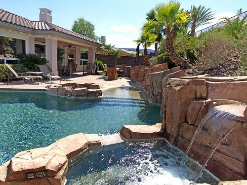 Summers in this backyard must be super fun.