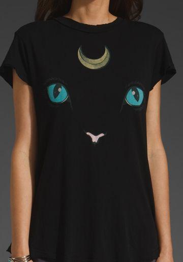 CAT AND MOON TSHIRT AHHHHHHHHHH I want this so much. $64