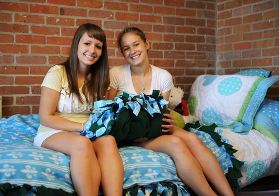 3 Things You Missed Most About Your Roommate - Surviving College