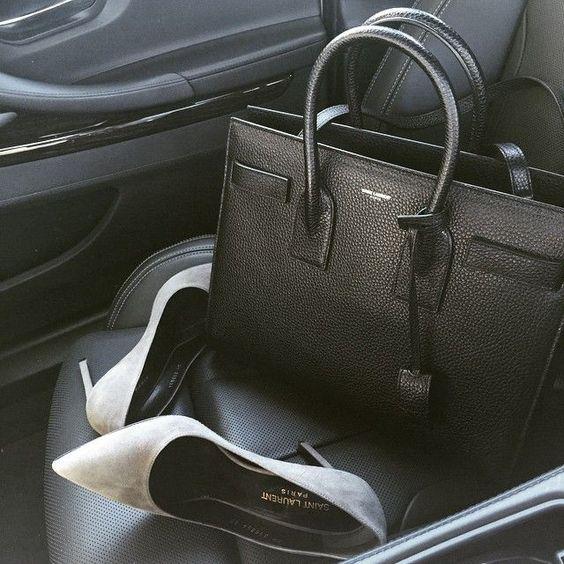 A passenger seat full of good things.  Diese und weitere Taschen auf www.designertaschen-shops.de entdecken