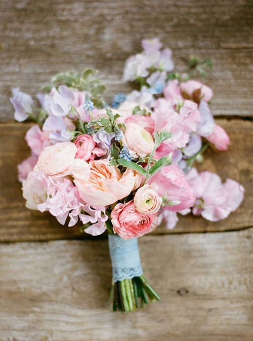 In Bloom > January to March - Sweet Pea, Ranunculus. Perfect Spring wedding bouquet/flowers.