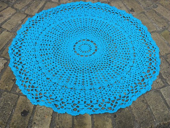 Free Crochet Pattern For Circle Baby Blanket : Free Crochet Valis Circular Shawl Pattern. Its found ...