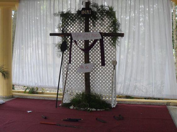 Adoracion de La Cruz en Mons. Panal en La Vega, republica Dominicana