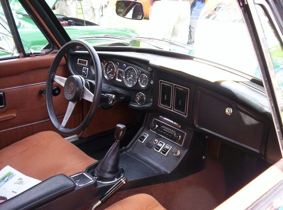 another view of a late 1972 1974 1 2 mgb gt original factory interior british cars. Black Bedroom Furniture Sets. Home Design Ideas