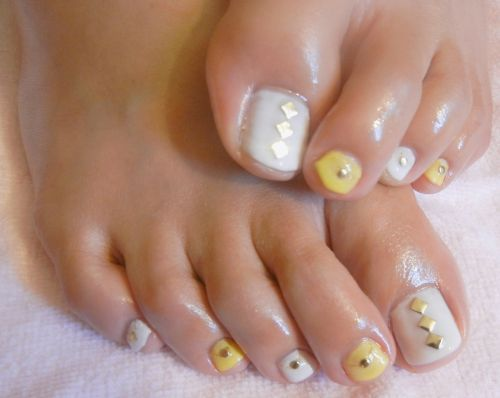 Sweet and Simple Toes Nail Art