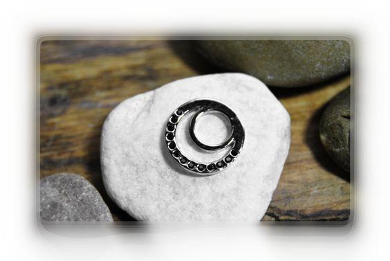 Rico Ring Aufsatz Metallscheibe + schwarzem Strass von DaiSign auf DaWanda.com