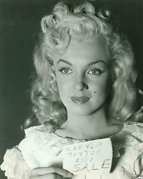 Extremely Rare Photos of Marilyn!