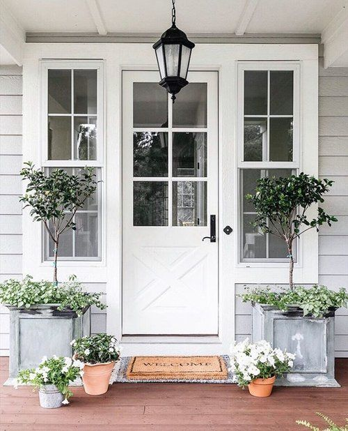Farmhouse Style Front Door Styling For
