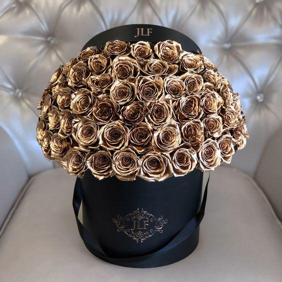 الجمال يختفي حضورك_ هدايا الورود