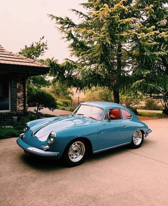 Robert Foresta Keeps This Classic Porsche At His Miami Residence
