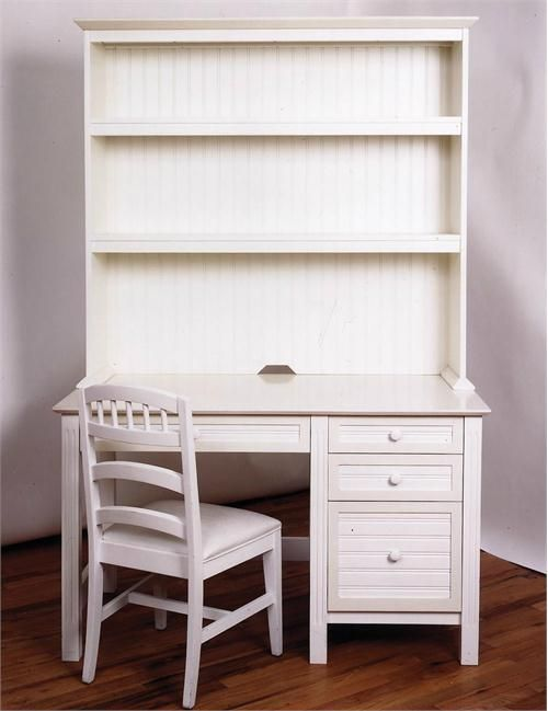 Room With Writing Desk For Kids