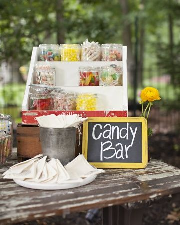 Old-time candies with muslin bags for guests