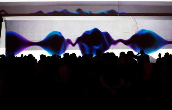 Atração consiste em apresentações de live image com curadoria do artista e pesquisador de cinema e videoarte Lucas Bambozzi.