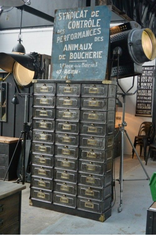 Brocante vintage and meubles on pinterest - Brocante mobilier industriel ...