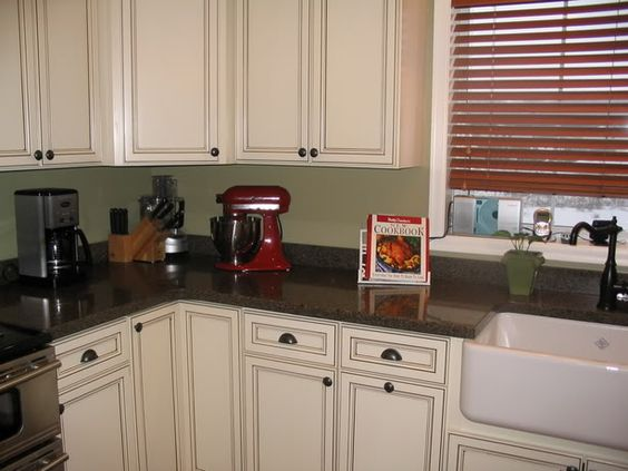 Best Farmhouse Sinks White Cabinets And Glaze On Pinterest 400 x 300