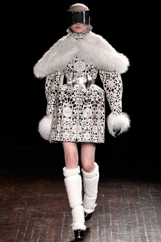 Alexander McQueen Fall 2012 Ready-to-Wear Collection Slideshow on Style.com