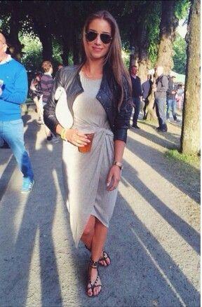 Casual | Jersey dress  @emilietommerberg