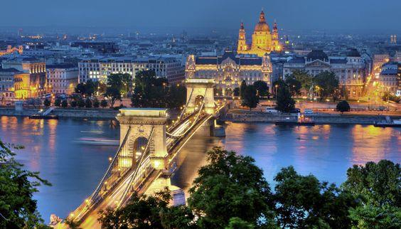 Conheça a maravilhosa Budapeste com a CVC! Budapeste possui vários atributos para te impressionar! Confira na CVC e reserve sua Viagem!