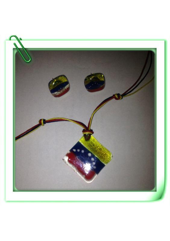 Juego de collar y zarcillos con diseño de bandera de Venezuela aplicando la técnica de vitrofusion!