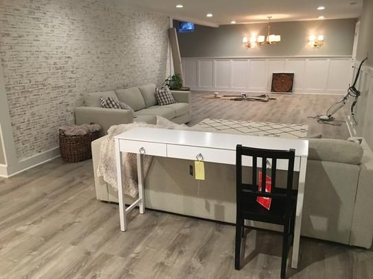Lifeproof Sterling Oak 8 7 In X 47 6 In Luxury Vinyl Plank Flooring 20 06 Sq Ft Case I966106l Deco Salon Deco Et Plancher